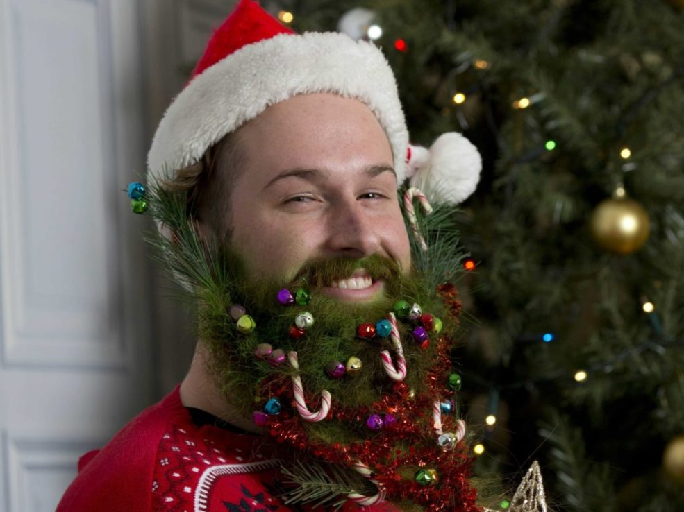hipsters-are-now-decorating-their-beards-for-christmas
