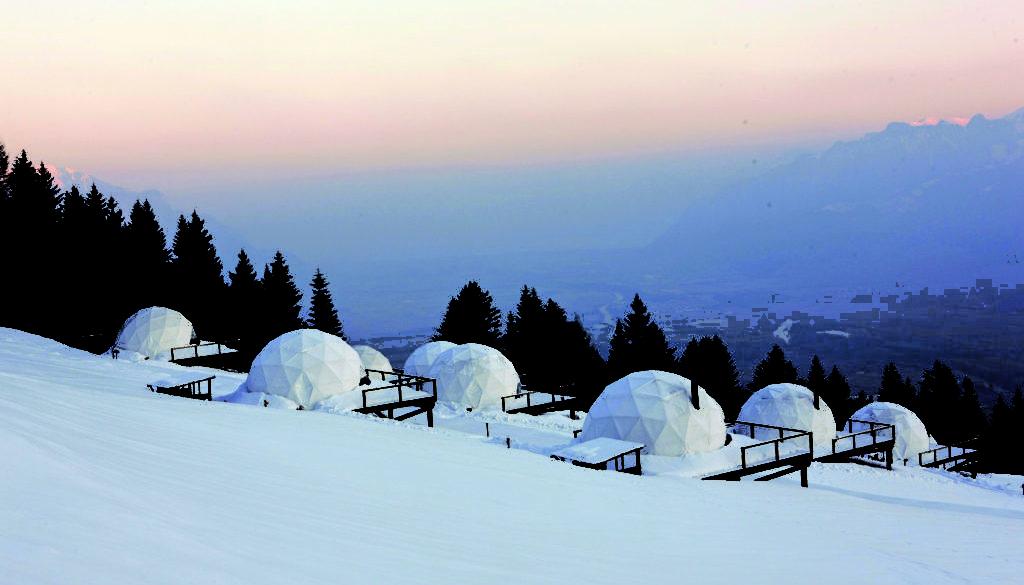 Whitepod_hotel_sunrise_camp 2
