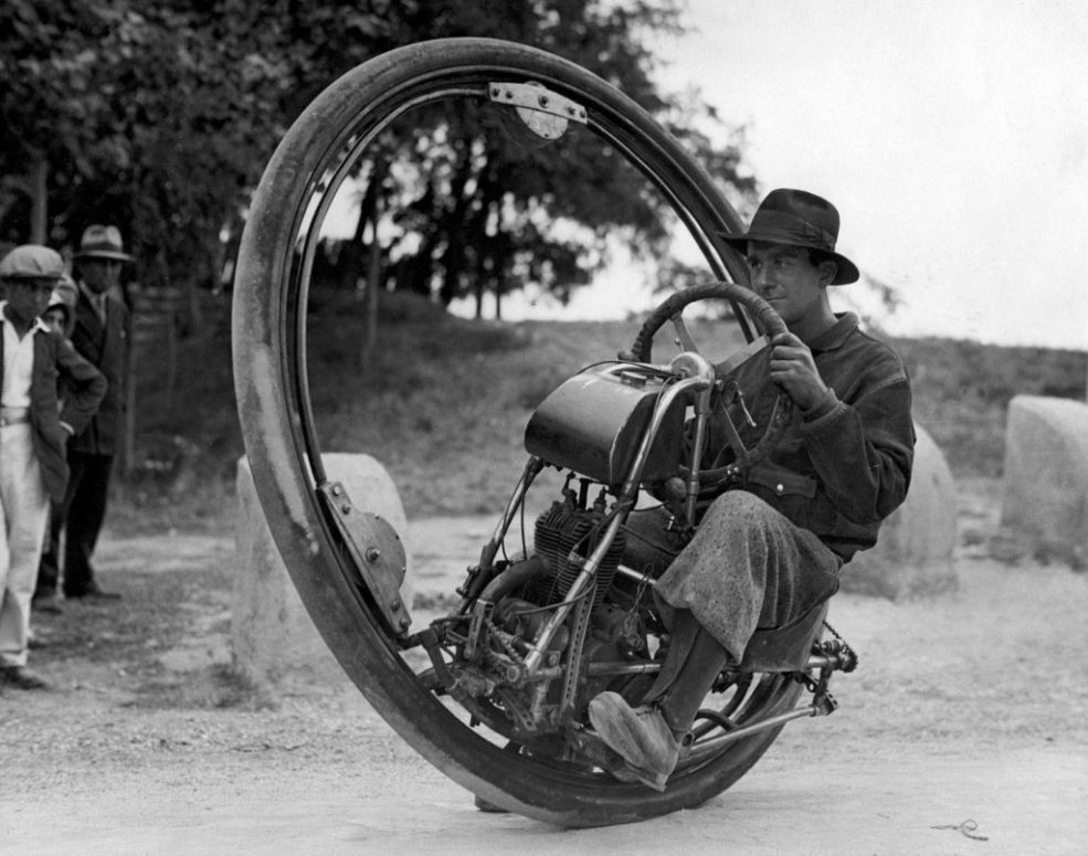 One_wheel_motorcycle_Goventosa